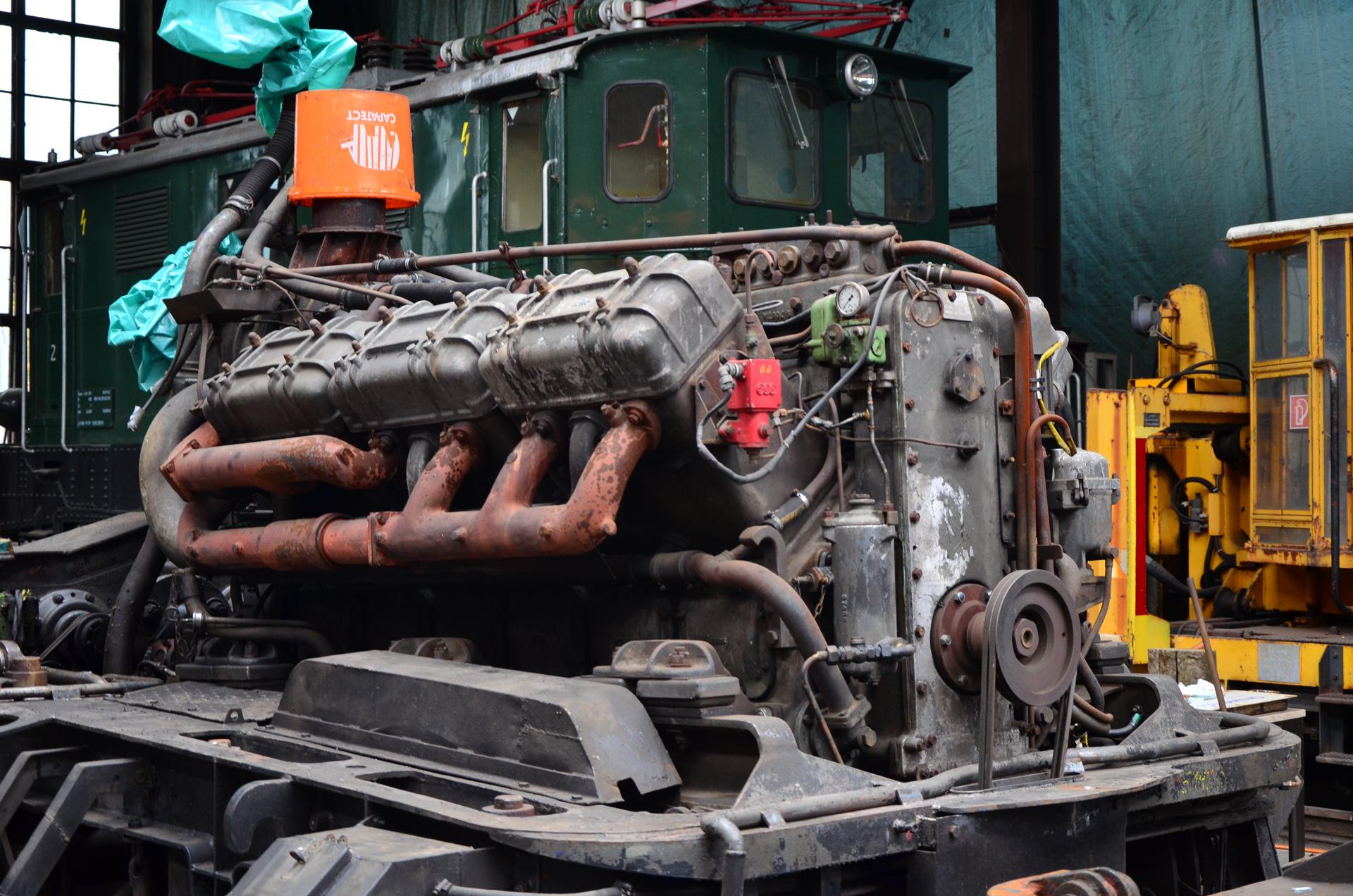 V12 Dieselmotor